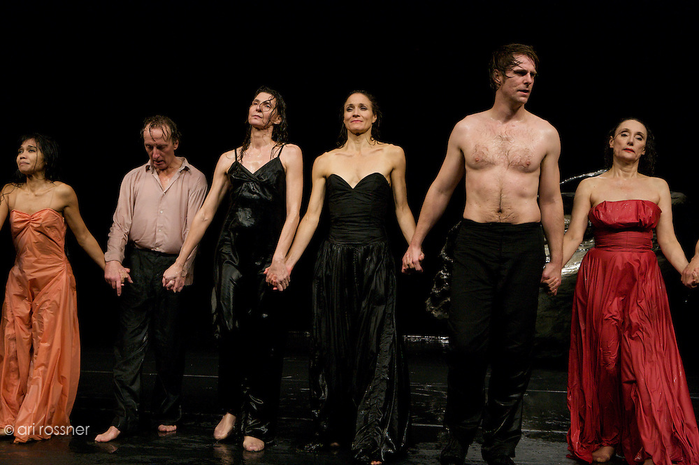 First representation of the company in Paris after Pina Bausch's death<br>Nazareth Panadero, Ditta Miranda Jasjfi, Helena Pikon, Julie Anne Stanzak, Michael Strecker, Dominique Mercy