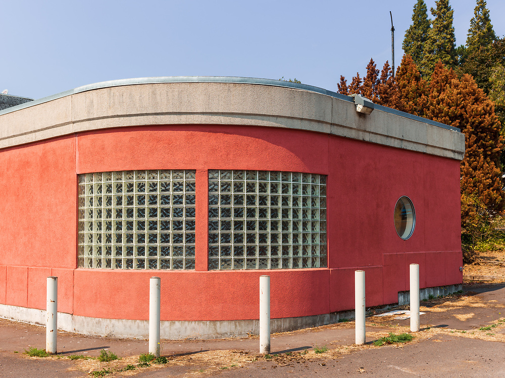 https://Duncan.co/old-school-architecture-windows