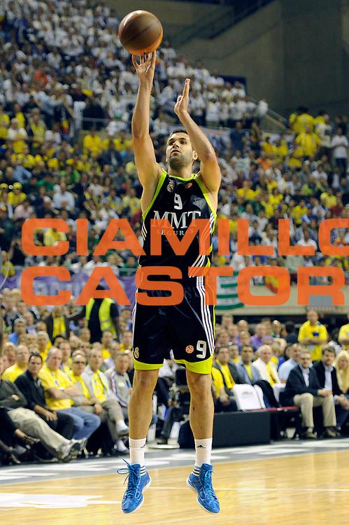 DESCRIZIONE : Barcellona Barcelona Eurolega Eurolegue 2010-11 Final Four Semifinale Semifinal Maccabi Electra Tel Aviv Real Madrid<br /> GIOCATORE : Felipe Reyes<br /> SQUADRA : Real Madrid<br /> EVENTO : Eurolega 2010-2011<br /> GARA : Maccabi Electra Tel Aviv Real Madrid<br /> DATA : 06/05/2011<br /> CATEGORIA : tiro three points<br /> SPORT : Pallacanestro<br /> AUTORE : Agenzia Ciamillo-Castoria/C.De Massis<br /> Galleria : Eurolega 2010-2011<br /> Fotonotizia : Barcellona Barcelona Eurolega Eurolegue 2010-11 Final Four Semifinale Semifinal Maccabi Electra Tel Aviv Real Madrid<br /> Predefinita :