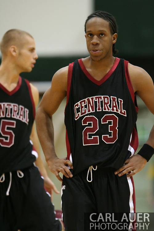 1/6/2006: Nate Jackson of the Central Washington Wildcats in the 60-80 loss to the University of Alaska-Anchorage at the Wells Fargo Sports Complex on the campus of UAA.<br />