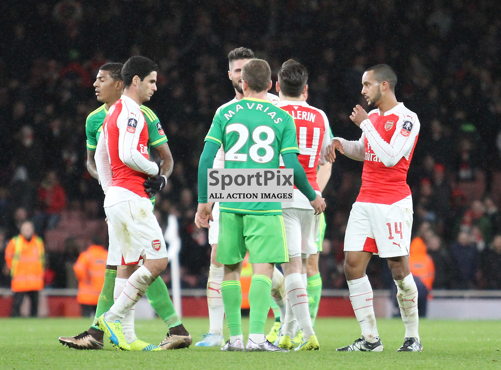 Arsenal and Sunderland players at the end of their FA Cup tie at the Emirates
