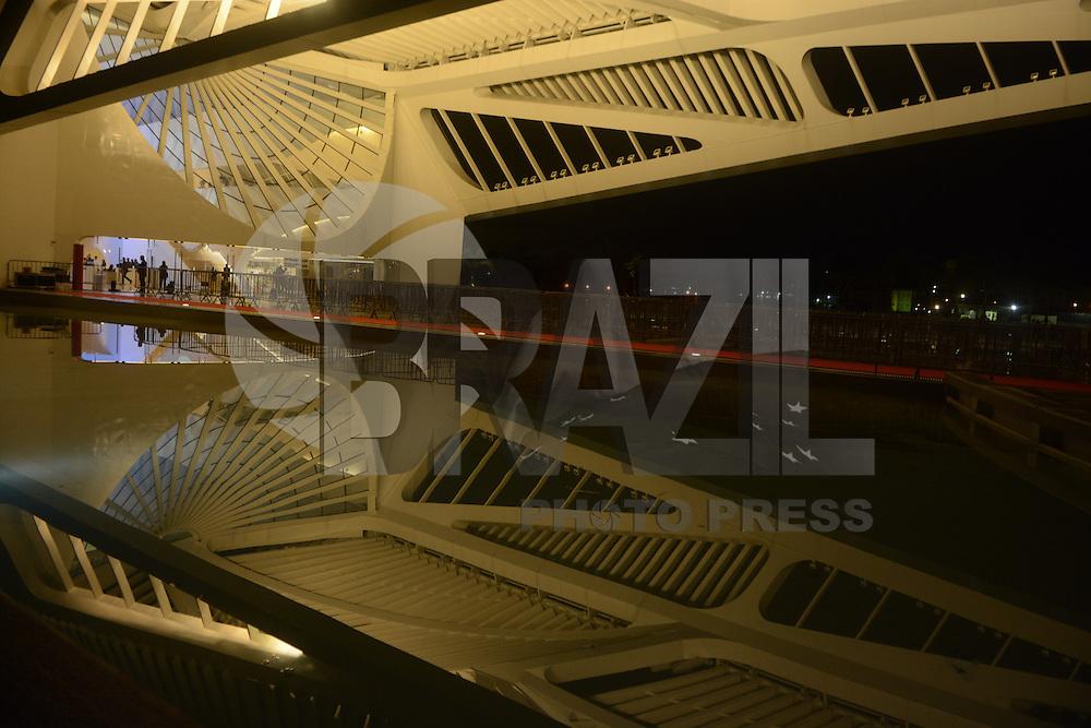 RIO DE JANEIRO, RJ, 19.01.2016 - MUSEU-AMANHA - Vista do Museu do Amanha na cidade do Rio de Janeiro na noite desta terça-feira, 19. (Foto: Jorge Hely/Brazil Photo Press)