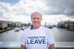 © Licensed to London News Pictures. 15/06/2016. London, UK. The pro-Brexit campaign 'Fishermen for Leave', who are sailing a flotilla of over 30 vessels up the Thames. The flotilla, including UKIP leader Nigel Farage, caused traffic issues in central London, as vessels travelled up the Thames for high tide and to coincide with the last Prime Minister's Questions before the EU referendum takes place on 23 June. Photo credit : Tom Nicholson/LNP