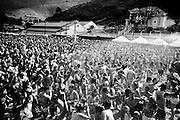 Ouro Preto_MG, 15 de Fevereiro de 2010 ..UOL - Carnaval nas cidades historicas de Minas Gerais. ..Na foto, o Bloco da Praia junta 5000 folioes no Espaço Folia. ..Foto: Leo Drumond / NITRO