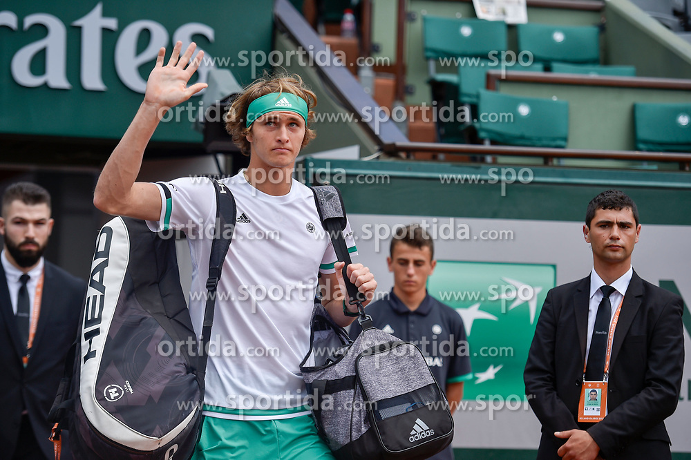 30.05.2017, Roland Garros, Paris, FRA, ATP Tour, French Open, im Bild Alexander Zverev (GER) // during the French Open Tournament of the ATP Tour at the Roland Garros in Paris, France on 2017/05/30. EXPA Pictures © 2017, PhotoCredit: EXPA/ Vianney Thibaut