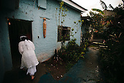 CANDOMBLE SUFFERED PERSECUTIONS SINCE ITS BIRTH IN BRASIL. NOW, UNDER THE PRESSURE OF GROWING EVANGELISM, IT'S TIME TO LOOK FOR ACEPTANCE. THE ILE ASE OPO OLOFIN, IN CURITIBA, IS A CHARITY ASOCIATION THAT ALSO PUBLISHES A MONTHLY NEWSPAPER./ EL CANDOMBLE SUFRIO PERSECUCIONES DESDE SU NACIMIENTO EN BRASIL. AHORA, SO PRESION DEL EVANGELISMO CRECIENTE, BUSCA LA ACEPTACION PARA SOBREVIVIR. EL ILE ASE OPO OLOFIN, EN CURITIBA, ES UNA ASOCIACION BENEFICA QUE TAMBIEN PUBLICA UN PERIODICO MENSUAL.