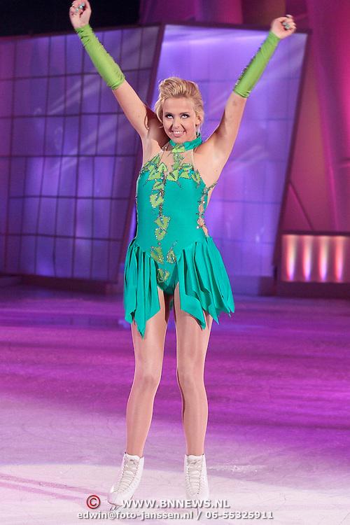 NLD/Hilversum/20110326 - 9de Liveshow Sterren Dansen op het IJs, Monique Smit