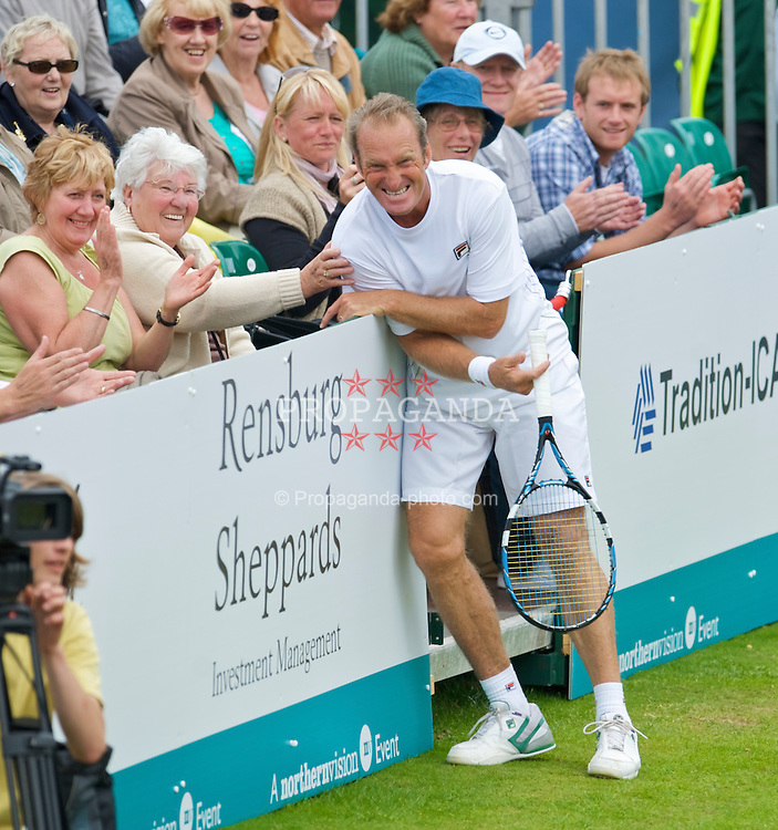 LIVERPOOL, ENGLAND - Sunday, June 21, 2009: Peter McNamara (AUS) during Day Five of the Tradition ICAP Liverpool International Tennis Tournament 2009 at Calderstones Park. (Pic by David Rawcliffe/Propaganda)