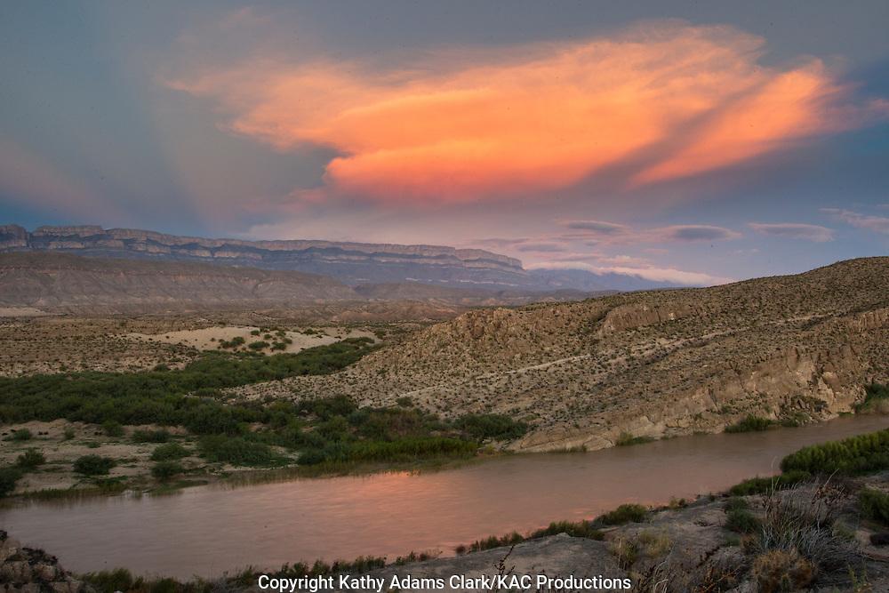 Thunder storm, Sierra del Carmen; Rio Grande; Chihuahuan Desert; Big Bend National Park; Texas