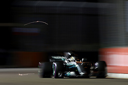 September 16, 2017 - Singapore, Singapore - Motorsports: FIA Formula One World Championship 2017, Grand Prix of Singapore, ..#44 Lewis Hamilton (GBR, Mercedes AMG Petronas F1 Team) (Credit Image: © Hoch Zwei via ZUMA Wire)