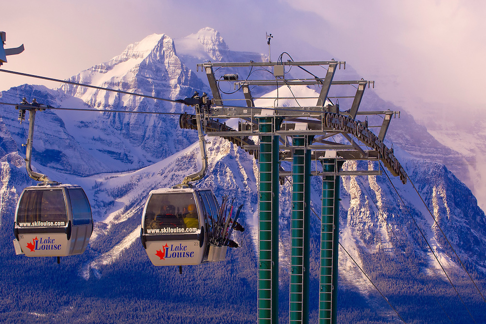 A gondola carries skiers up the mountain, Lake Louise Mountain Resort, Banff National Park, Alberta, Canada