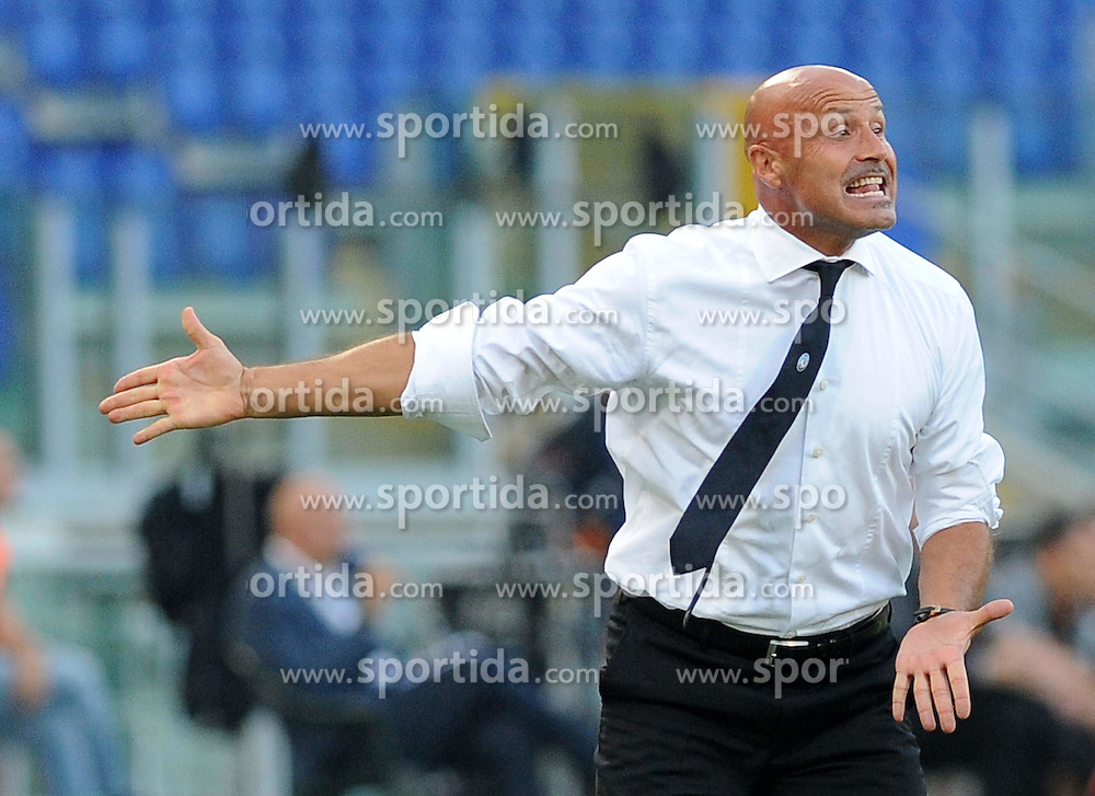 01.10.2011, Stadio Olimpico, Rom, ITA, Serie A, AS Rom vs Atalanta, im Bild atalanta Trainer stefano colantuono., EXPA Pictures © 2011, PhotoCredit: EXPA/ InsideFoto/ Massimo Oliva *** ATTENTION *** FOR AUSTRIA AND SLOVENIA USE ONLY!