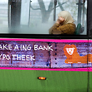 Nederland Rotterdam 14 november 2008 20081114 Foto: David Rozing ..Reclame slogan van ING bank op RET bus in het centrum van Rotterdam: Take a ING Bank hypotheek It's good! Consumtenvertrouwen economie..Foto David Rozing