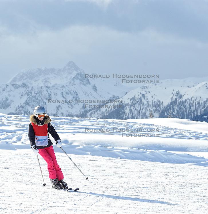 21-01-2016 AUT: Wintersportkamp BvdGF 2016, Flachau<br /> Het wintersportkamp 2016 is een kamp voor 40 kinderen met diabetes type 1 in de leeftijd van 12 t/m 16 jaar