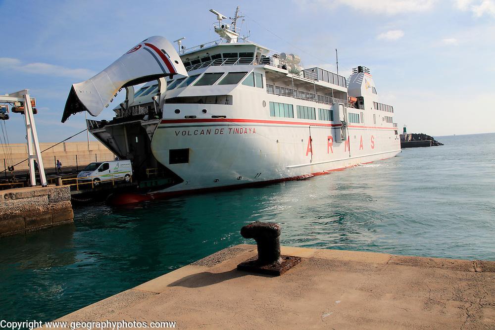 Vehicles disembarking from Armas ferry ship 'Volcan de Tindaya', Corralejo, Fuerteventura, Canary Islands, Spain