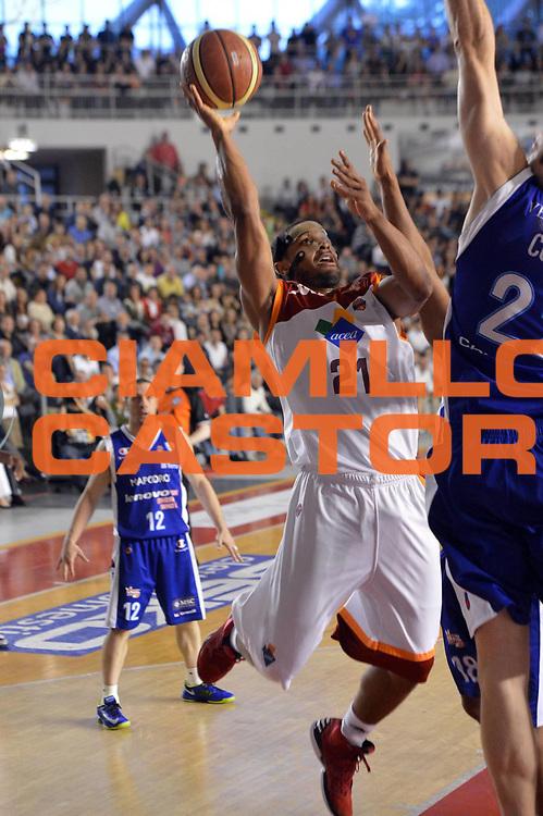 DESCRIZIONE : Roma Lega A 2012-2013 Acea Roma Lenovo Cantu playoff semifinale gara 5<br /> GIOCATORE : Jordan Taylor <br /> CATEGORIA : Tiro<br /> SQUADRA : Acea Roma<br /> EVENTO : Campionato Lega A 2012-2013 playoff semifinale gara 5<br /> GARA : Acea Roma Lenovo Cantu<br /> DATA : 02/06/2013<br /> SPORT : Pallacanestro <br /> AUTORE : Agenzia Ciamillo-Castoria/GiulioCiamillo<br /> Galleria : Lega Basket A 2012-2013  <br /> Fotonotizia : Roma Lega A 2012-2013 Acea Roma Lenovo Cantu playoff semifinale gara 5<br /> Predefinita :