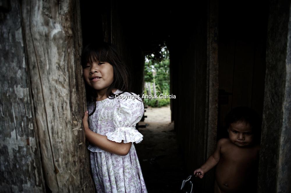 Jeunes enfants Yawanawas