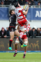 Ben Morgan of Gloucester Rugby and Marcelo Bosch of Saracens compete - Rogan Thomson/JMP - 27/11/2016 - RUGBY UNION - Allianz Park - London, England - Saracens v Gloucester Rugby - Aviva Premiership.