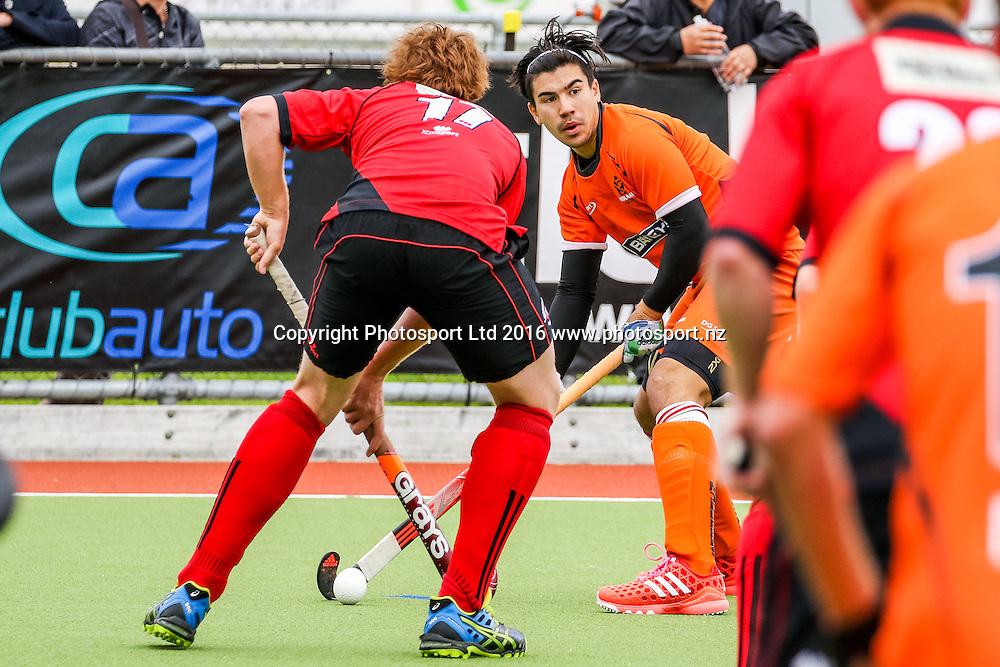 Midlands Gabriel Ho-Garcia looks for options. Midlands v Canterbury Men, FORD National Hockey League, ITM Hockey Centre, Whangarei, New Zealand. Friday 16 September, 2016. Copyright photo: Heath Johnson / www.photosport.nz