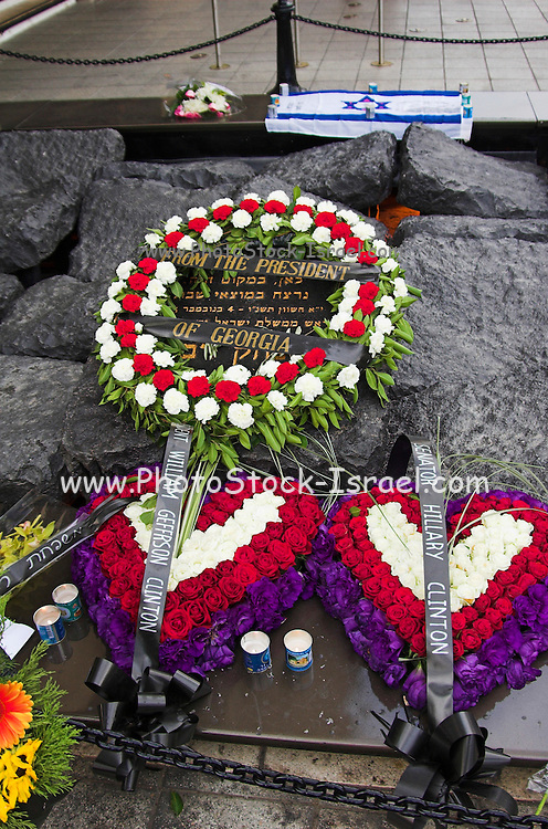 wreaths from senator Hillary and Bill Clinton on Yitzhak Rabin memorial, on the tenth year of his assassination, Tel aviv Israel November 2005