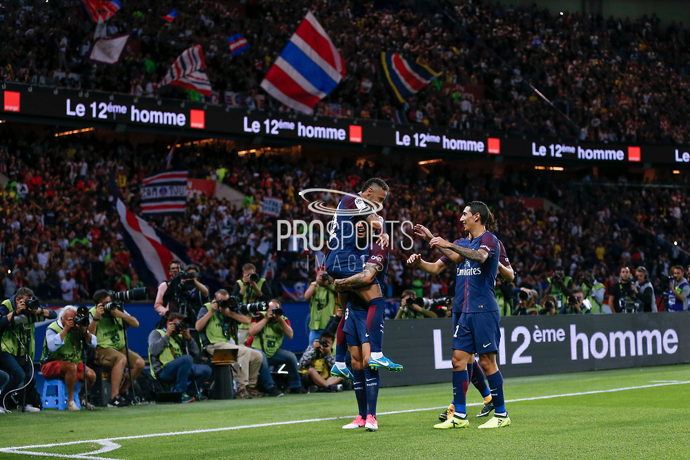 Layvin Kurzawa (psg) celebrated it goal scored from a decisive ball kicked by Neymar da Silva Santos Junior - Neymar Jr (PSG), celebration with Neymar da Silva Santos Junior - Neymar Jr (PSG), Edinson Roberto Paulo Cavani Gomez (psg) (El Matador) (El Botija) (Florestan) during the French championship L1 football match between Paris Saint-Germain (PSG) and Toulouse Football Club, on August 20, 2017, at Parc des Princes, in Paris, France - Photo Stephane Allaman / ProSportsImages / DPPI