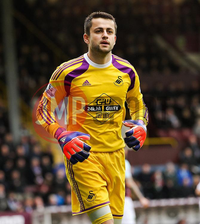 Lukasz Fabianski of Swansea City  - Photo mandatory by-line: Matt McNulty/JMP - Mobile: 07966 386802 - 28/02/2015 - SPORT - Football - Burnley - Turf Moor - Burnley v Swansea City - Barclays Premier League