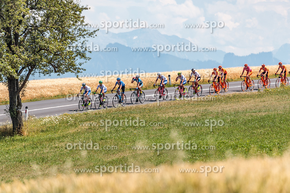 05.07.2017, Altheim, AUT, Ö-Tour, Österreich Radrundfahrt 2017, 3. Etappe von Wieselburg nach Altheim (226,2km), im Bild das Peloton // the Peloton during the 3rd stage from Wieselburg to Altheim (199,6km) of 2017 Tour of Austria. Altheim, Austria on 2017/07/05. EXPA Pictures © 2017, PhotoCredit: EXPA/ JFK