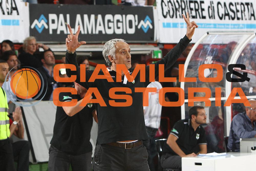 DESCRIZIONE : Caserta Lega A 2009-10 Basket Amichevole Trofeo Irtet Citta di Caserta Pepsi Juve Caserta Air Avellino<br /> GIOCATORE : Cesare Pancotto<br /> SQUADRA : Air Avellino<br /> EVENTO : Campionato Lega A 2009-2010 <br /> GARA : Pepsi Juve Caserta Air Avellino<br /> DATA : 26/09/2009<br /> CATEGORIA : coach schema<br /> SPORT : Pallacanestro <br /> AUTORE : Agenzia Ciamillo-Castoria/C.De Massis