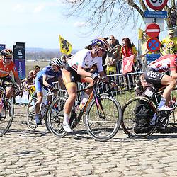 03-04-2016: Wielrennen: Ronde van Vlaanderen vrouwen: Oudenaarde  <br />OUDENAARDE (BEL) cycling  The sixth race in the UCI Womensworldtour is the ronde van Vlaanderen. A race over the famous Flemish climbs. Claudia Lichtenberg, Chantal Blaak, Ellen van Dijk Katarzyna Niewiadowska on the final climb the Paterberg
