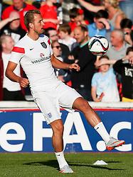Harry Kane of England warms up - Photo mandatory by-line: Matt McNulty/JMP - Mobile: 07966 386802 - 11/06/2015 - SPORT - Football - Barnsley - Oakwell Stadium - England U21 v Belarus U21 - International Friendly U21s