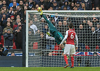 Football - 2017 / 2018 Premier League - Tottenham Hotspur vs. Arsenal<br /> <br /> Petr Cech (Arsenal FC) with a finget tip save from the Tottenham free kick at Wembley Stadium.<br /> <br /> COLORSPORT/DANIEL BEARHAM