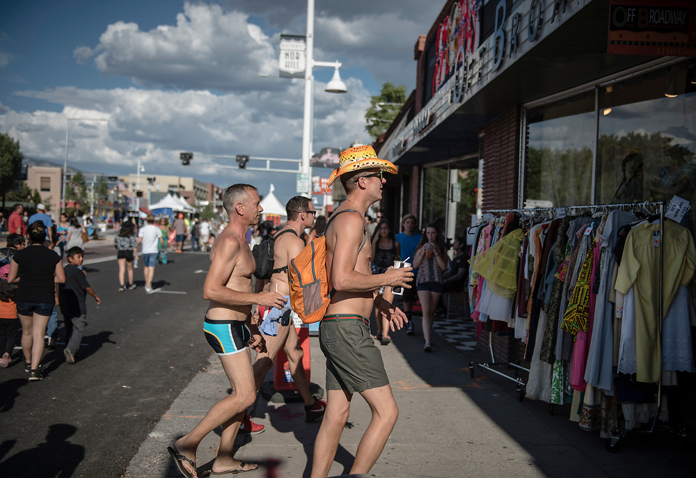 rer072217f/metro/July 22, 2017/Albuquerque Journal<br /> Route 66 Summeriest in Albuquerque took place in Nob Hill this year. Pictured Summeriest goers visiting the shops in Nob Hill. <br /> Albuquerque, New Mexico Roberto E. Rosales/Albuquerque Journal