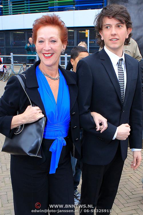 NLD/Scheveningen/20100411 - Premiere musical Mary Poppins, Loes Luca en ..........