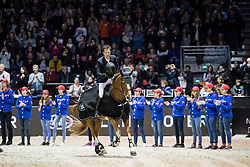 Photographie Eric KNOLL. Jumping de Bordeaux 2018. Grand Prix Land Rover. Remise des Prix<br /> Harrie SMOLDERS (NED). EMERALD N.O.P.Smolders Harrie, NED, Emerald<br /> Jumping De Bordeaux 2018<br /> © Hippo Foto - Eric Knoll<br /> 04/02/2018