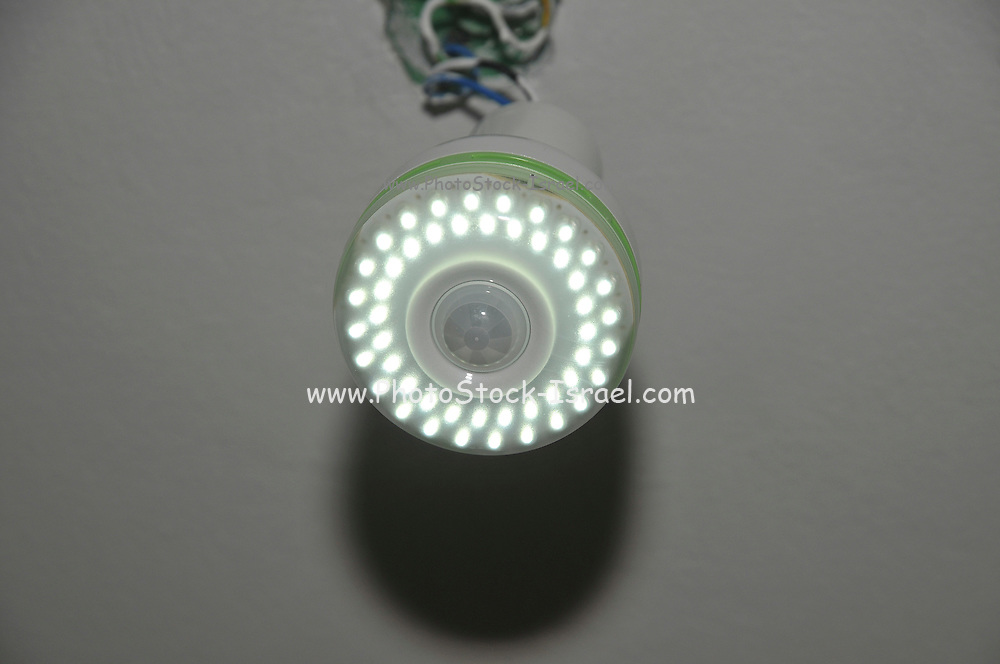 lit light lamp using an efficient Light-emitting diode (LED) Lamp. LEDs use about one tenth of the energy for a given light output when compared with normal incandescent bulbs, instant start-up time and have a lifetime typically of 30,000 hours.