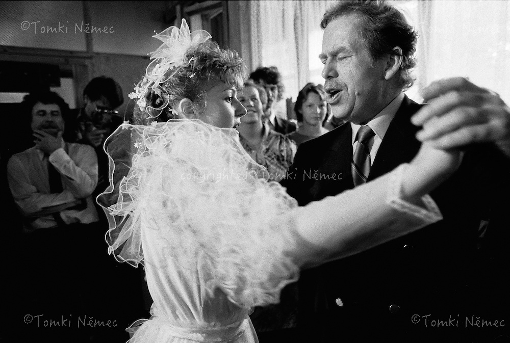 Bohemia,1990,President Havel is dancing with a spouse on the wedding celebration (no his spouse)