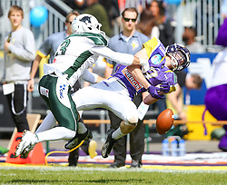 17.05.2015, Hohe Warte, Wien, AUT, BIG6, AFC Vienna Vikings vs Schwaebisch Hall Unicorns, im Bild Nathaniel Morris (Schwaebisch Hall Unicorns, #3) und Dominik Bundschuh (AFC Vienna Vikings, WR/QB, #3) // during the BIG6 game between AFC Vienna Vikings vs Schwaebisch Hall Unicorns at the Hohe Warte, Wien, Austria on 2015/05/17. EXPA Pictures © 2015, PhotoCredit: EXPA/ Thomas Haumer