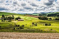 Paisagem rural no caminho para a Prainha. Ouro Verde, Santa Catarina, Brasil. / <br /> Rural landscape. Ouro Verde, Santa Catarina, Brazil.
