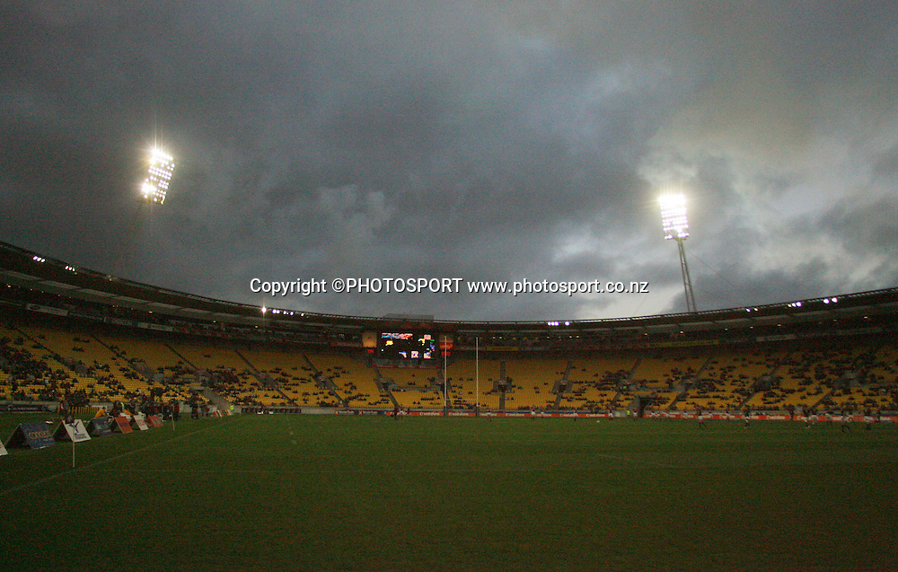 Westpac Stadium at kick-off.<br /> Air NZ Cup semi-final. Wellington Lions v Southland Stags at Westpac Stadium, Wellington, New Zealand, Friday, 17 October 2008. Photo: Dave Lintott/PHOTOSPORT
