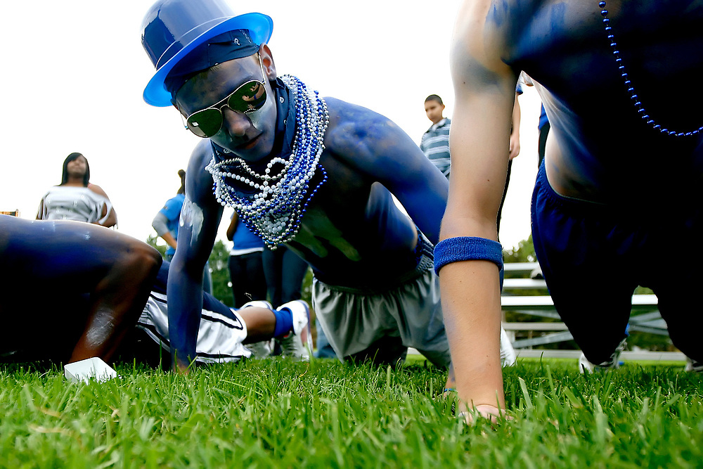 Herald &amp; Review/Stephen Haas<br /> MacArthur junior Sean O'Neill, 16, does celebratory pushups in the endzone after a MacArthur touchdown against Eisenhower during the annual Staley Day game at MacArthur High School's Matheson Field Saturday, Sept. 20, 2008, in Decatur, Ill.