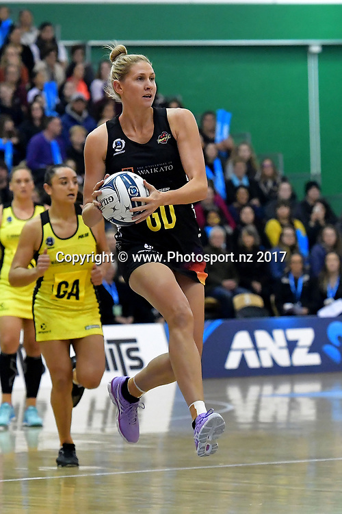 Magic's Monica Falkner looks to pass during the ANZ Premiership netball match between the Pulse and Magic at the Central Energy Trust Arena in Palmerston North on Monday the 5th of June 2017. Copyright Photo by Marty Melville / www.Photosport.nz