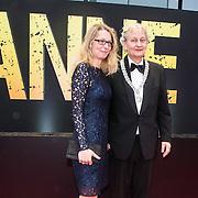 NLD/Amsterdam/20140508 - Wereldpremiere Musical Anne, Burgemeester Erberhard van der Laan en partner Femke