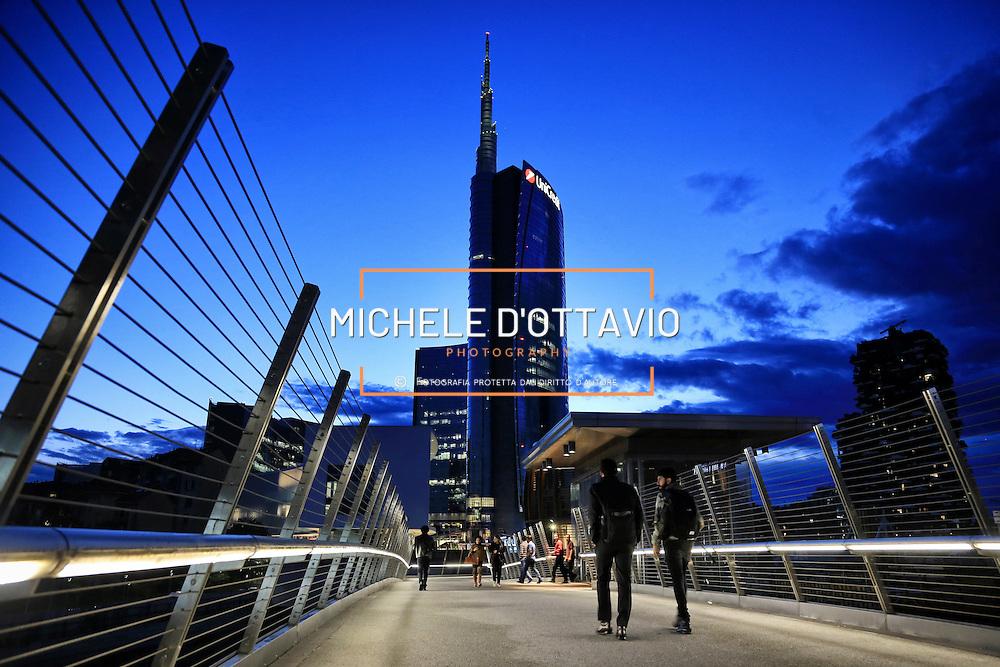 Milano Porta Garibaldi, Torre Unicredit