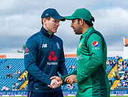 Picture by Allan McKenzie/SWpix.com - 19/05/2019 - Sport - Cricket - 5th Royal London One Day International - England v Pakistan - Emerald Headingley Cricket Ground, Leeds, England - England captain Eoin Morgan shakes hands with at the coin toss with Pakistan's captain Sarfaraz Ahmed.