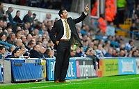 Photo: Leigh Quinnell/Sportsbeat Images.<br /> Queens Park Rangers v Hull City. Coca Cola Championship. 03/11/2007. Hull manager Phil Brown on the touch line.