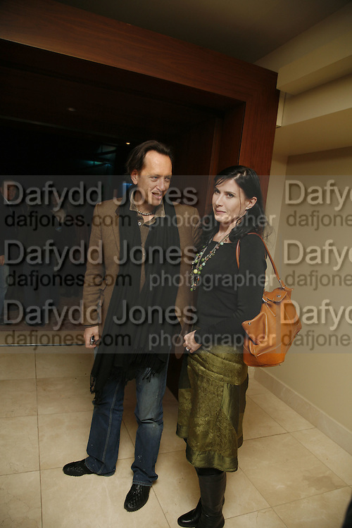 RICHARD E. GRANT AND RONNI ANCONA, The party for 'Resurrection Blues' following the opening at the Old Vic. The Riverbank Park Plaza Hotel, London.3 March 2006. ONE TIME USE ONLY - DO NOT ARCHIVE  © Copyright Photograph by Dafydd Jones 66 Stockwell Park Rd. London SW9 0DA Tel 020 7733 0108 www.dafjones.com