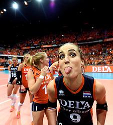 03-10-2015 NED: Volleyball European Championship Semi Final Nederland - Turkije, Rotterdam<br /> Nederland verslaat Turkije in de halve finale met ruime cijfers 3-0 / Myrthe Schoot  #9
