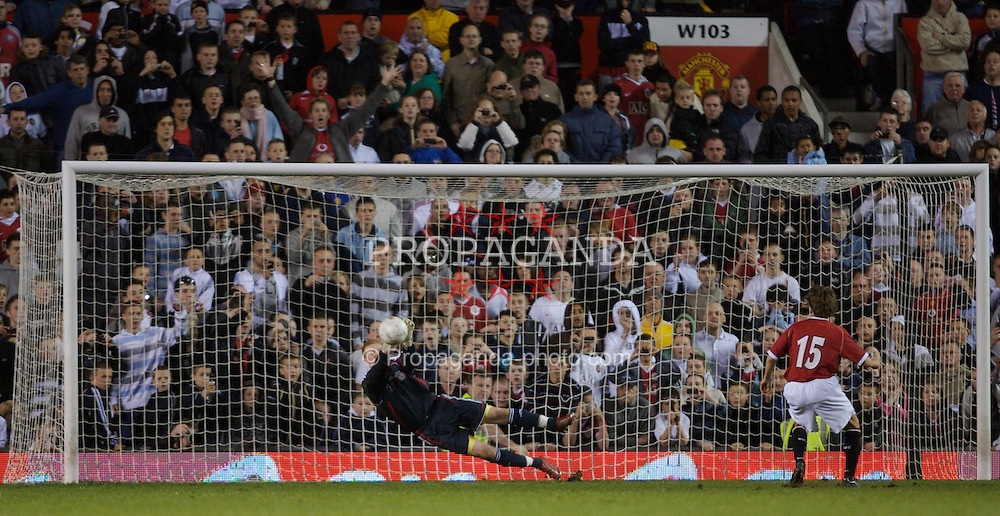 Manchester, England - Thursday, April 26, 2007: Liverpool's goalkeeper David Roberts saves the first penalty of the shoot-out from Manchester United's Magnus Eikrem during the FA Youth Cup Final 2nd Leg at Old Trafford. (Pic by David Rawcliffe/Propaganda)