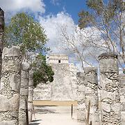 Warriors temple and Kukulcan temple at Chichen Itza. Yucatan, Mexico.