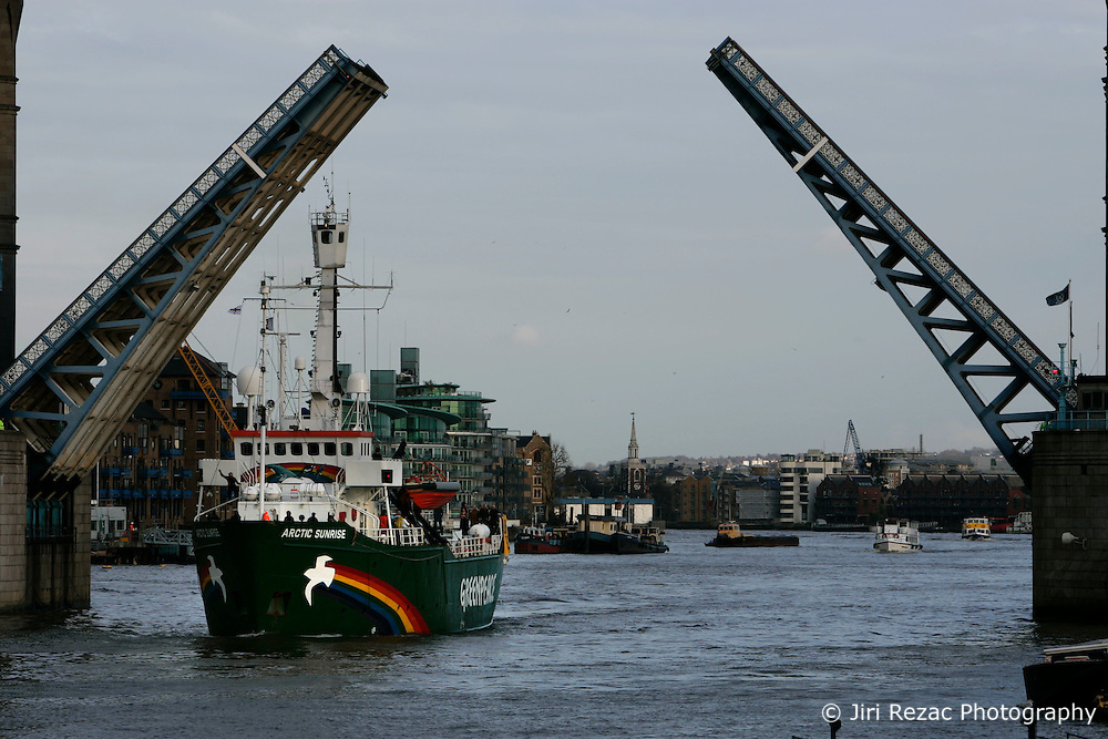 UK ENGLAND LONDON 6MAR07 - Greenpeace ship Arctic Sunrise enters London through the raised Tower Bridge to be moored next to the HMS Belfast on the river Thames, central London...jre/Photo by Jiri Rezac..© Jiri Rezac 2006..Contact: +44 (0) 7050 110 417.Mobile:  +44 (0) 7801 337 683.Office:  +44 (0) 20 8968 9635..Email:   jiri@jirirezac.com.Web:    www.jirirezac.com..© All images Jiri Rezac 2006 - All rights reserved.